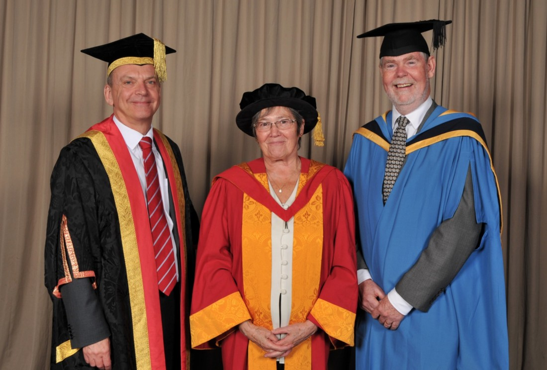Clare Short with Philip Dearden and Vice-Chancellor Geoff Layer
